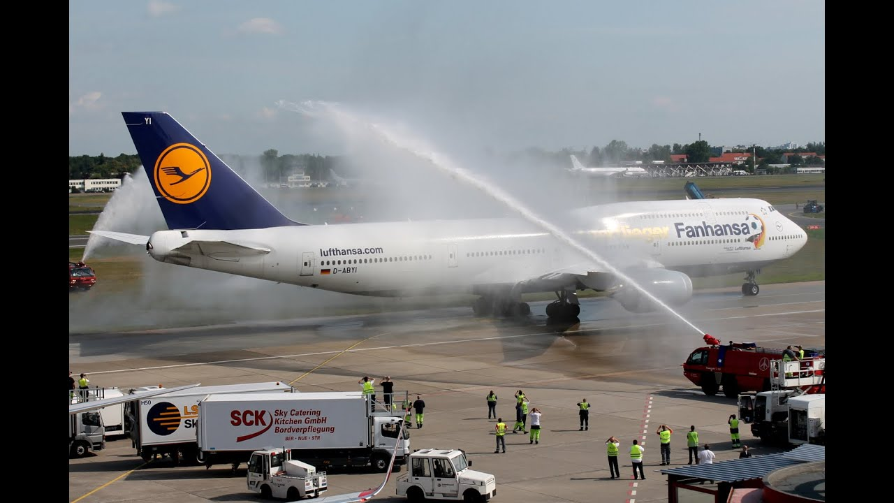 German World Champion Team arrives at home - Fanhansa Boeing 747-8i [D-ABYI]