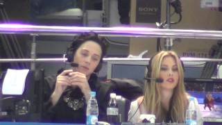 00008 Sochi 2014 Johnny WEIR (singing) and Tara Lipinski during FD