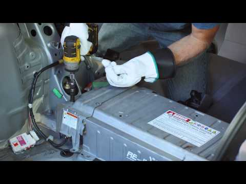 toyota prius battery removal and repair replace hybrid doovi. Black Bedroom Furniture Sets. Home Design Ideas