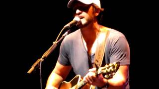 "luke bryan performing ""someone else calling you baby"""