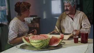 Опять ты мне эту икру поставила! Не могу я ее каждый день, проклятую, есть! Хоть бы хлеба достала!