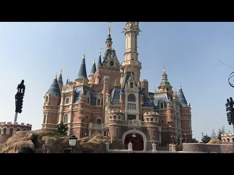 Disney Land Shanghai...!!  BOAT RIDE