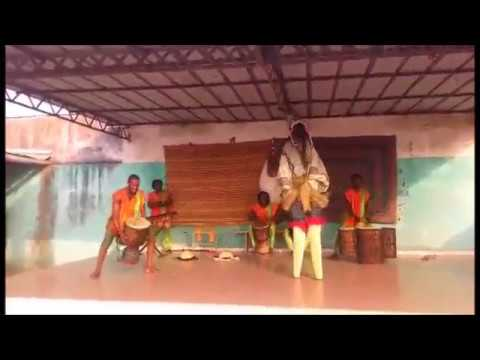 Mouaye Ivoire Inter West African Ivory Coast Dance Company ( The Racine By Barakissa Coulibaly  )