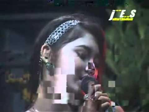 YouTube - Dangdut Blantika-Mela Anjani-Bunga Hati.DAT.flv