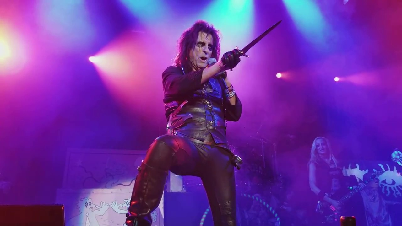 escape-alice-cooper-cuthbert-ampitheater-2017-comatoo