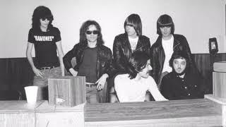 Ramones - I Wanna Be Your Boyfriend (Demo) [2 Versions]