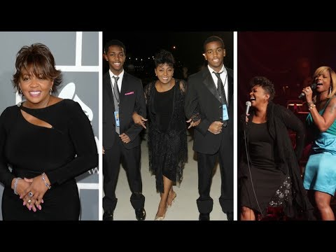 Anita Baker: Short Biography, Net Worth & Career Highlights