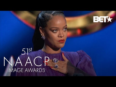 """Rihanna Says Tell Your Friends Of Other Races To """"Pull Up"""" For Black Issues 