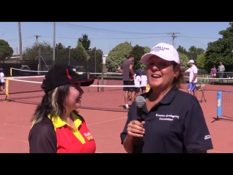 Evonne Goolagong brings Tennis to Bairnsdale (Gippsland)