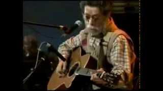 高田 渡が「生活の柄」をステージで完唱、アコースティック・ギターの冴...