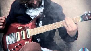 Электрогитара Урал - легендарная советская электрогитара(Вы не поверите, но в Советском Союзе делались вполне приличные гитары, одну из них вы увидите в этом видео...., 2014-03-31T16:39:00.000Z)