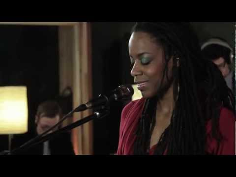 Akua Naru - Poetry: How Does It Feel Now??? (Live Performanc