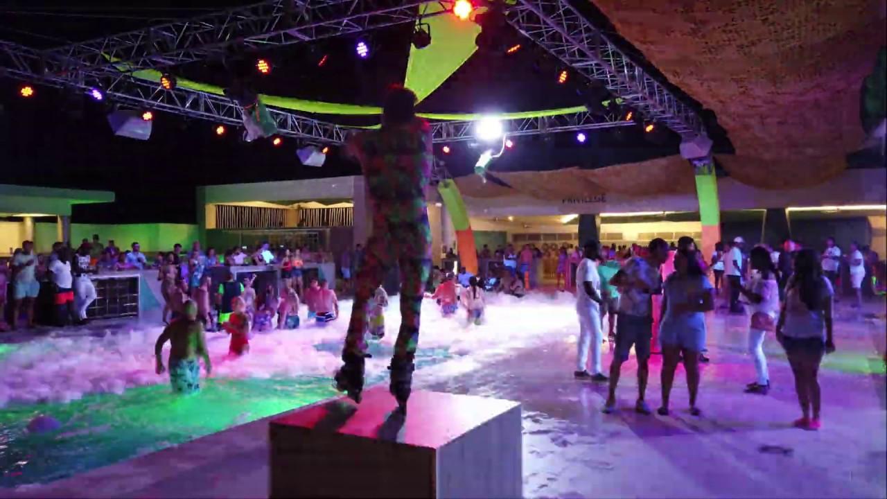 Riu Palace Punta Cana, Pool Parties, Jan 2019