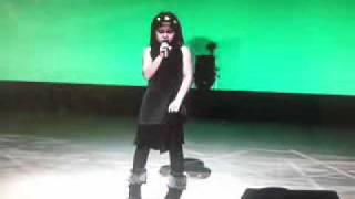 初田悦子さんの「きみのママより」を歌った、小学校一年生のみやざとじゅ...