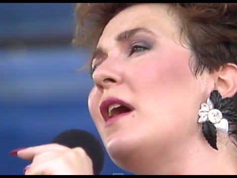 Montgomery Plant and Stritch - Shiny Stockings - 8/13/1988 - Newport Jazz Festival (Official)
