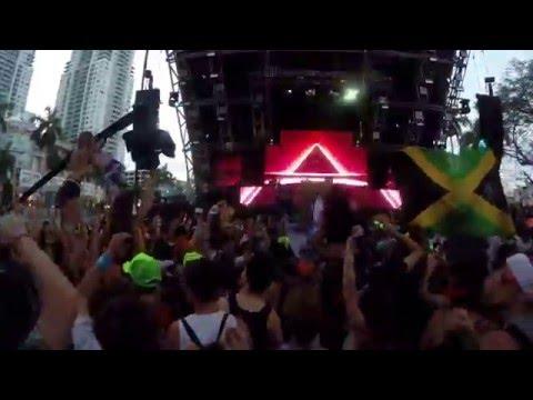 Mat Zo Live - Easy ft. Porter Robinson @ Ultra Music Festival