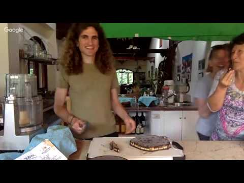 The Raw Food Retreat Deep Dish Pizza Party & Recipe!