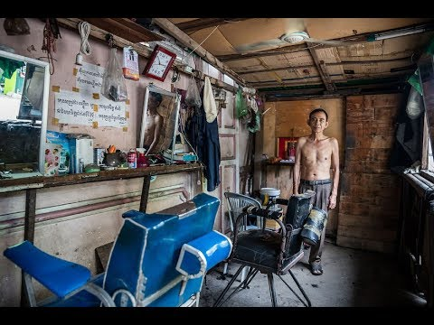 Wonderful photos of The Street Barbers Of Cambodia