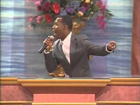 Micah Stampley I believe (LIVE)