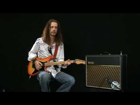 Buying Guide for Vox ac30cc1 Guitar Combo Amp