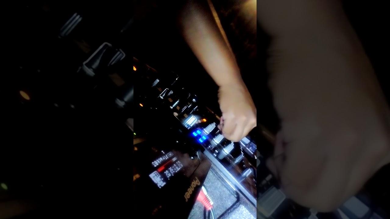 Dj Bix_SA playing live 001(messing around with bolobedu to venda ...