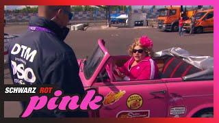 Cindy als Grid Girl | Schwarz, Rot, Pink | SAT.1