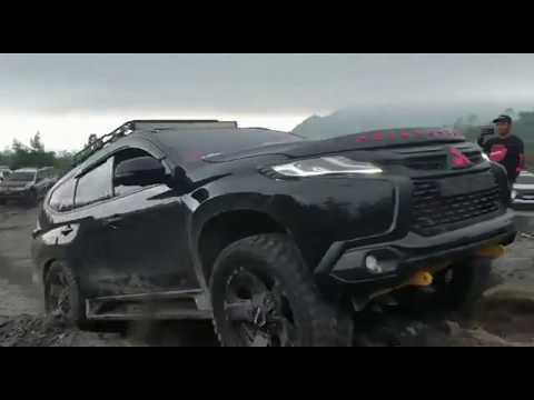 pajero-offroad-di-jalur-lava-tour-jeep-merapi