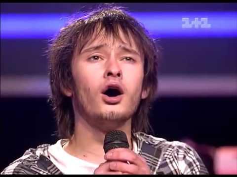 ქართულ სიმღერას ჟიური ფეხზე ამდგარი ისმენს!მომღერალს სიმღერის მეორედ შესრულებას სთხოვენ!