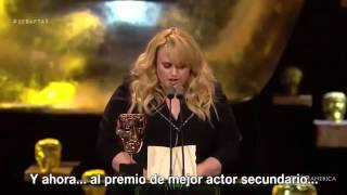 rebel wilson at the bafta 2016 subtitulado en español
