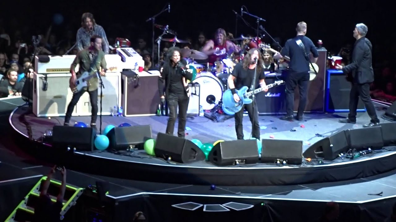 FOO FIGHTERS WITH ALICE COOPER - SCHOOL'S OUT & I'M 18 @ The Forum 01-10-2015