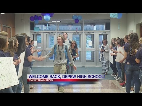 Depew High Schoolers carry on back-to-school tradition