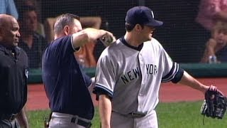 2007 ALDS Gm2: Midges impact Yankees in the eighth thumbnail