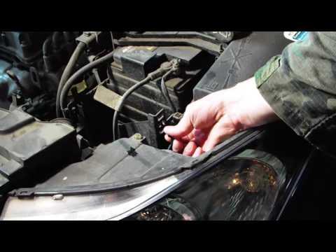 видео: Замена лампы габаритного света в фаре Шевроле Круз