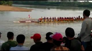 Pacu Jalur (start Gantuong)
