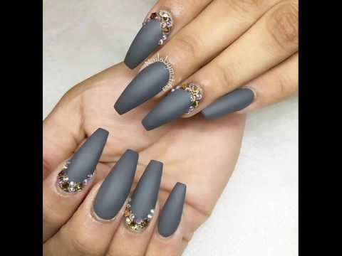 gray color nail art - winter sky