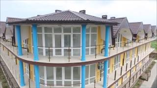 Гостиница из Техноблока в поселке Кучугуры