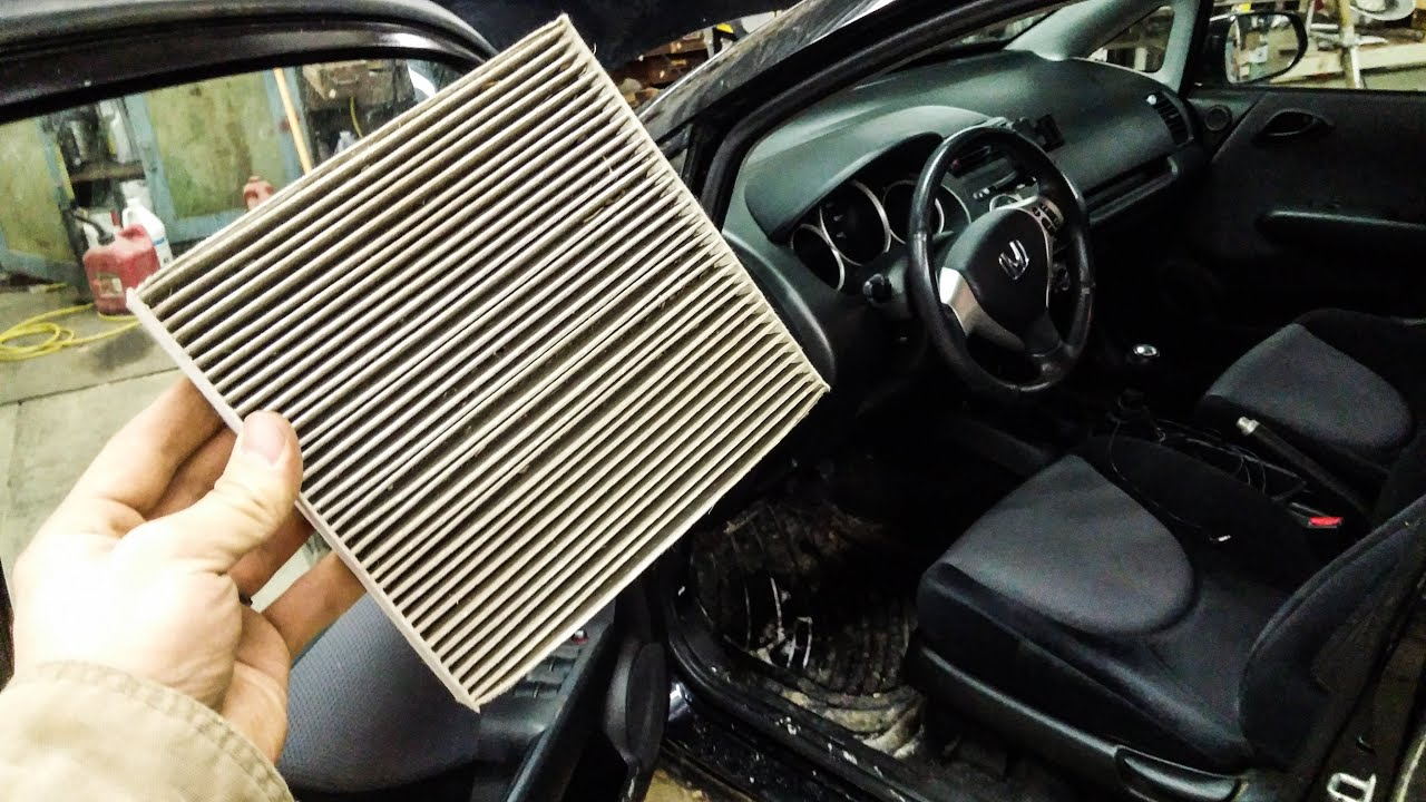 How to change the cabin air filter on a honda fit 07 08