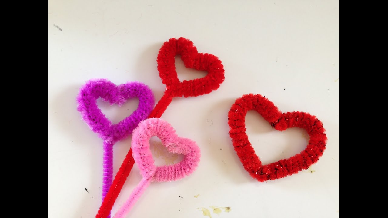 & How to make a Pipe Cleaner Heart - YouTube