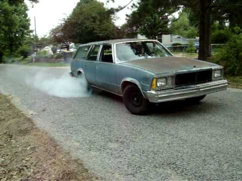 80 Malibu Wagon Burn Out!