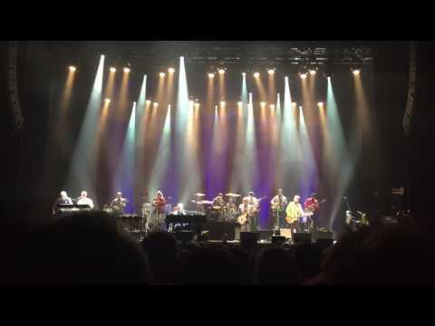 "Brian Wilson ft. Blondie Chaplin ""Sail on Sailor"" live at the Mahaffey Theater, St. Petersburg, FL"