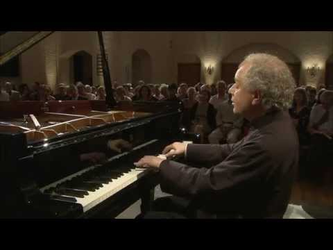 András Schiff - Bach. French Suite No.5 in G Major BWV816