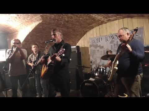 Дима Бг в клубе Old Town Bar в Москве 29.11.2019 S2040003