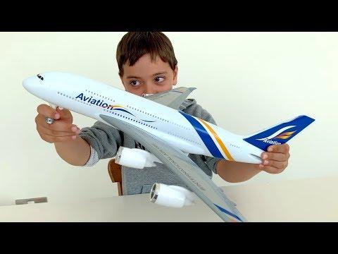 Oyuncak Uçak, Gemi, Polis Arabası Ve Tavukla Oyun! Dodo Tube