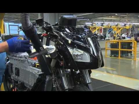 BMW Group Berlin Plant scene3 hd