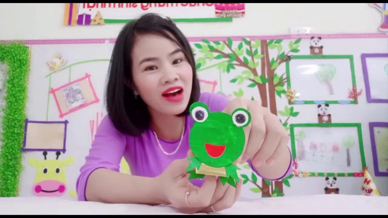 Vi deo hướng dẫn trẻ làm con ếch biết nhún nhảy từ giấy bìa (GV Hà Nam)