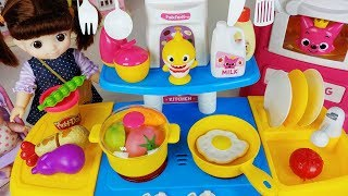 Baby shark kitchen and baby doll food cooking toys play 아기인형과 핑크퐁 아기상어 주방놀이 요리 장난감 - 토이몽