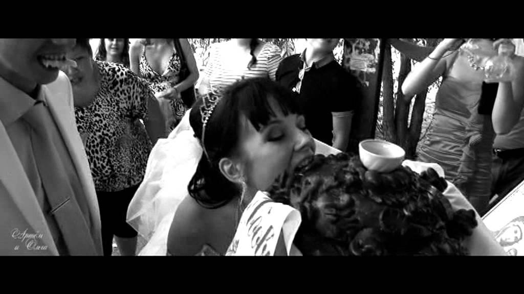 черно-белый клип с машиной peugeot