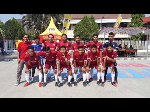 Ekstrakulikuler Futsal Putra Putri SMAN Mojoagung