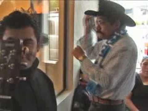 ALEX ALVARADO EN LA BUENA RADIO DE SALINAS CALIFORNIA DIC. 2009