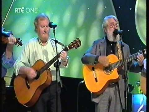 The Dubliners  The Irish Rover 2004